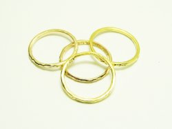 KR 001 KNUCKLE RING 10€.