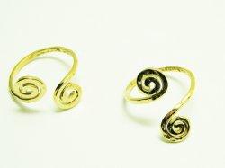 KR 002 KNUCKLE RING 15€.