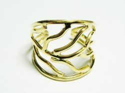 R023 HAND MADE RING 60€.